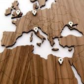 Carte du Monde murale en bois Noyer