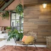 lambris adhésif pour mur en bois