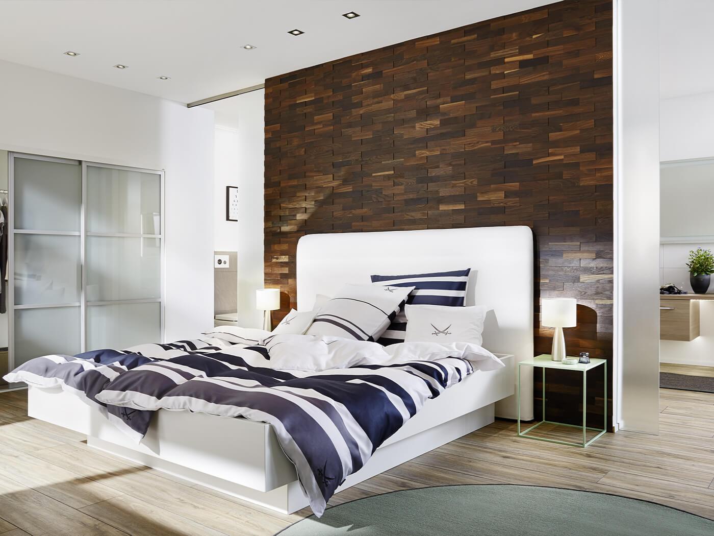 tête de lit mur bois