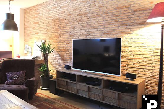 mur en brique salon